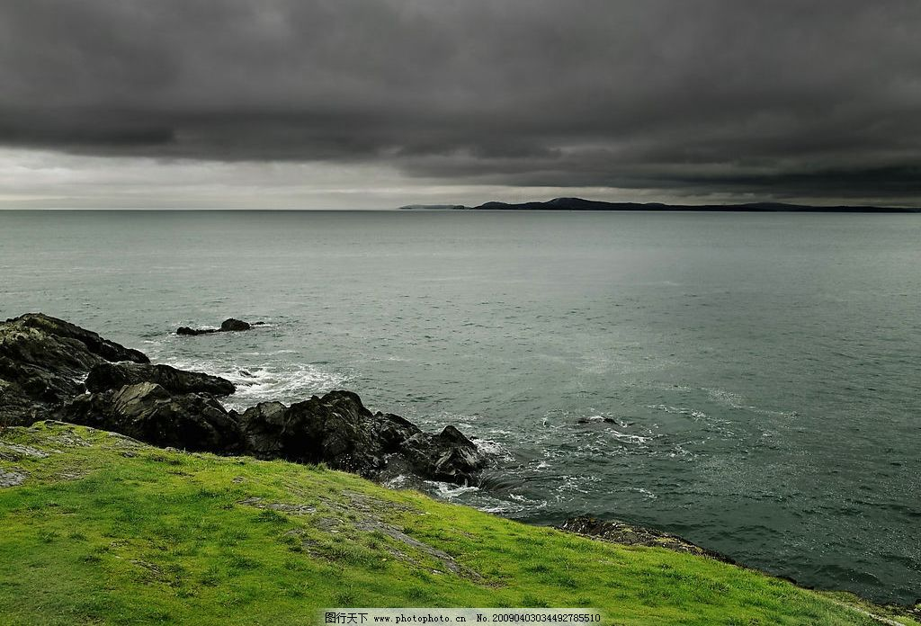 大海 海 草地 阴天 自然景观 山水风景 摄影图库 300dpi jpg