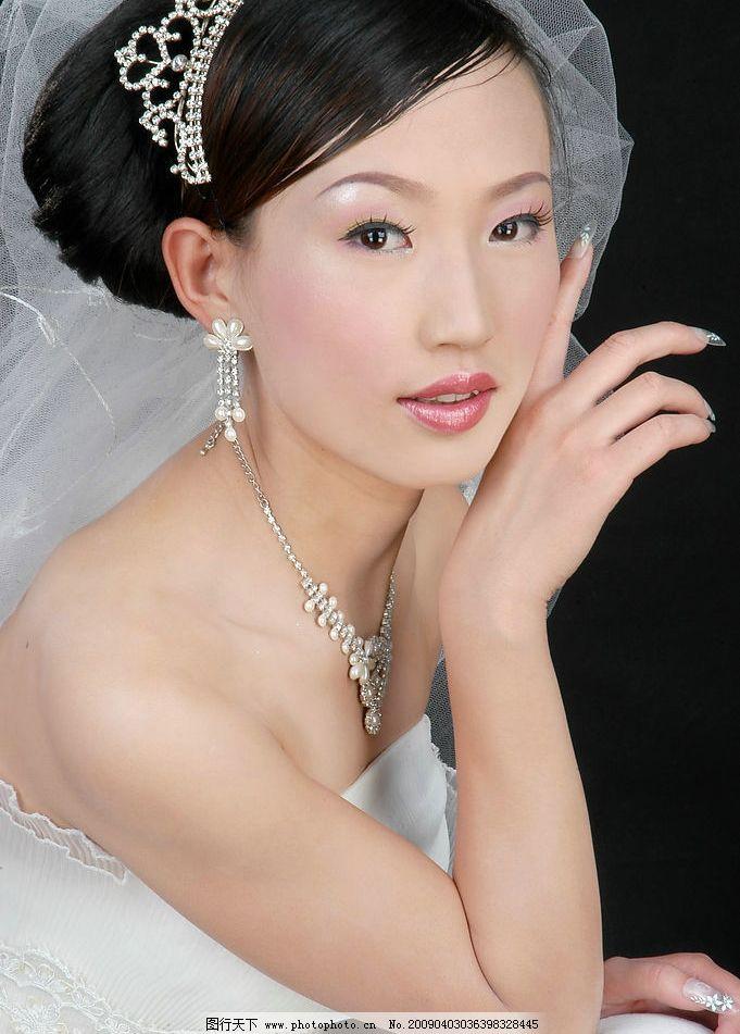 靓丽新娘8 美女写真 婚纱摄影 白沙 秀发 含情 秀丽 人物图库 人物图片
