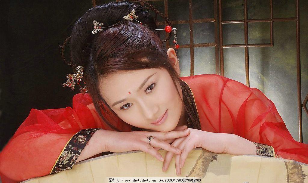 美女 古典美女 红衣 女性 漂亮 温柔 微笑 女性女人 摄影图库