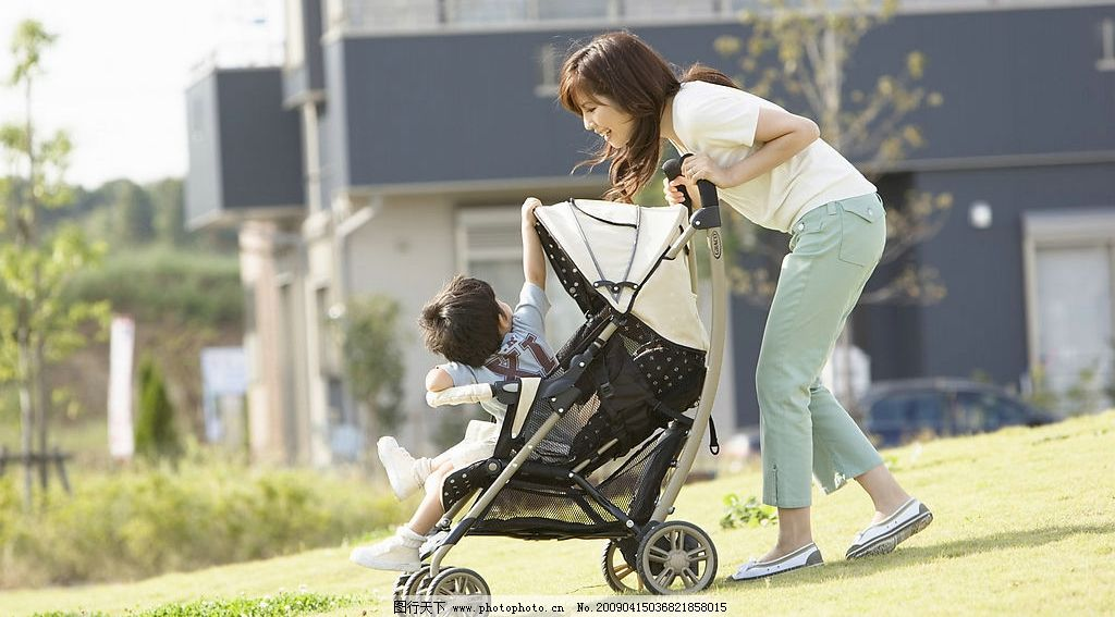 推婴儿车的妈妈图片_女性女人_人物图库_图行天下图库
