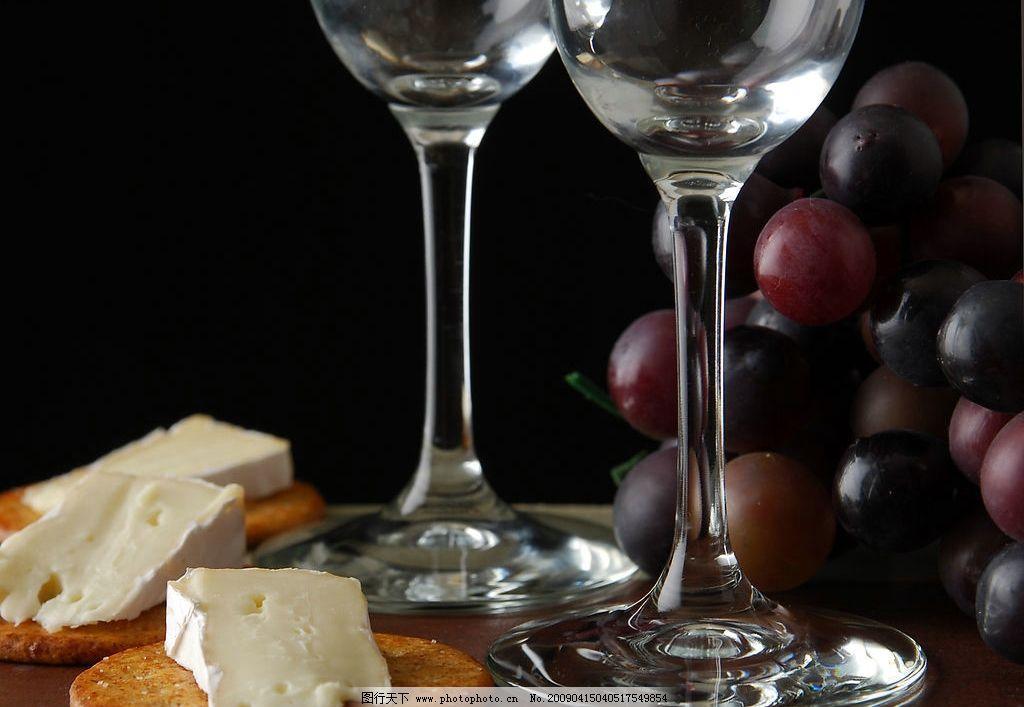 摄影图库 餐饮美食 饮料酒水  葡萄酒 香滨 开酒 倒酒 富贵 奢华 葡萄