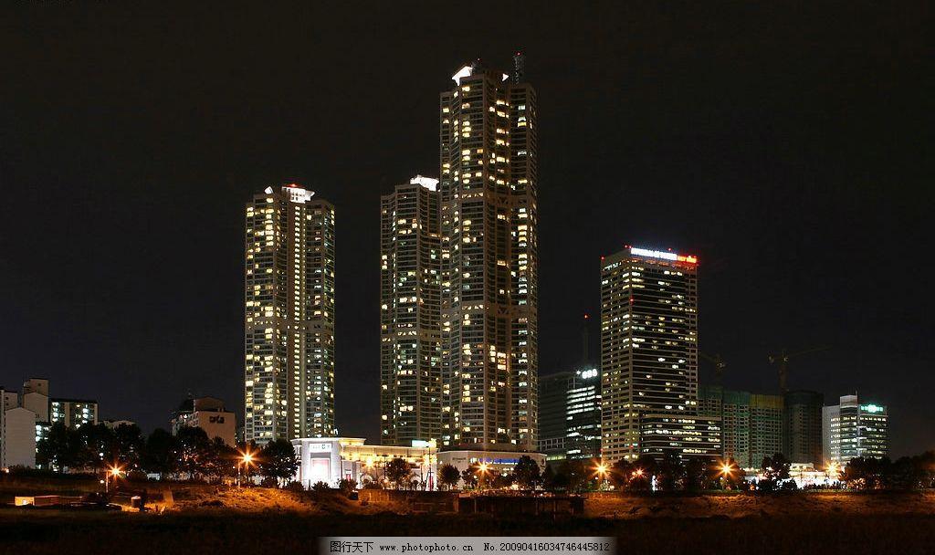 灯光 黑色 楼房 城市夜色图片
