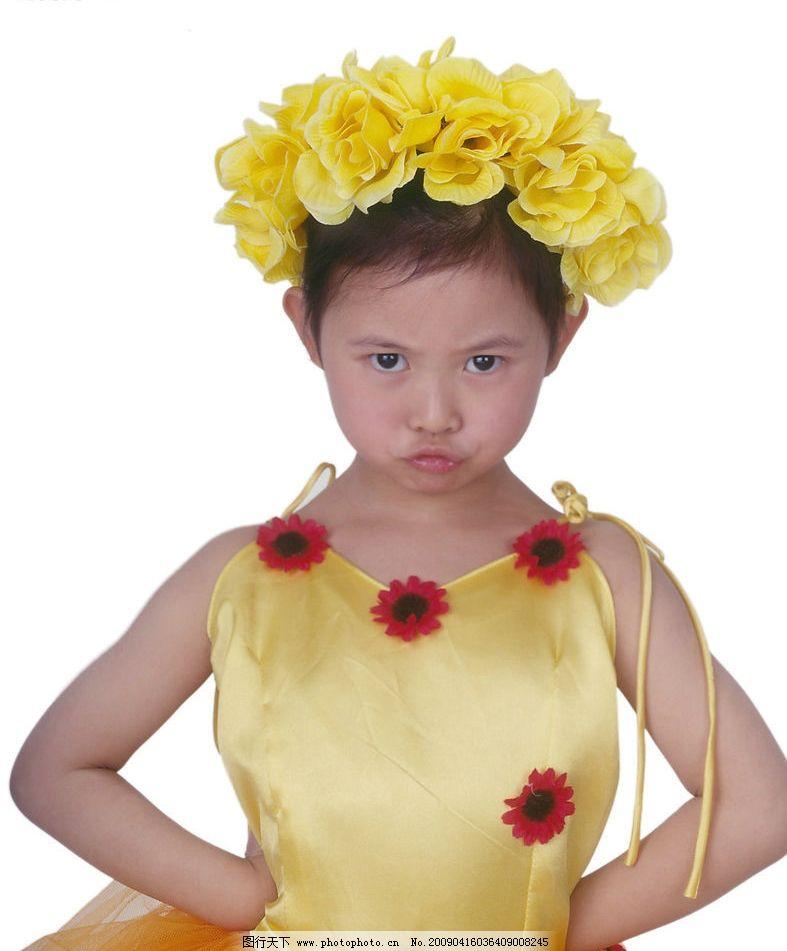 可爱幼童 女孩 眼神 活泼 花饰 嘴唇特写 儿童幼儿 摄影图库