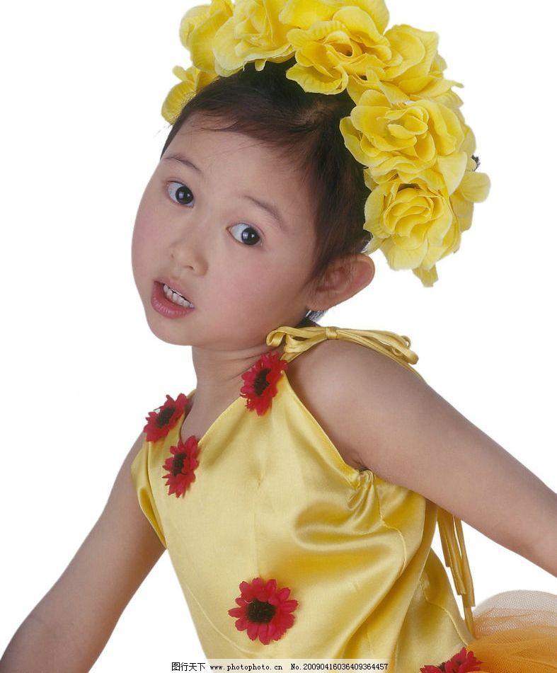 可爱幼童 女孩 眼神 活泼 花饰 儿童幼儿 摄影图库