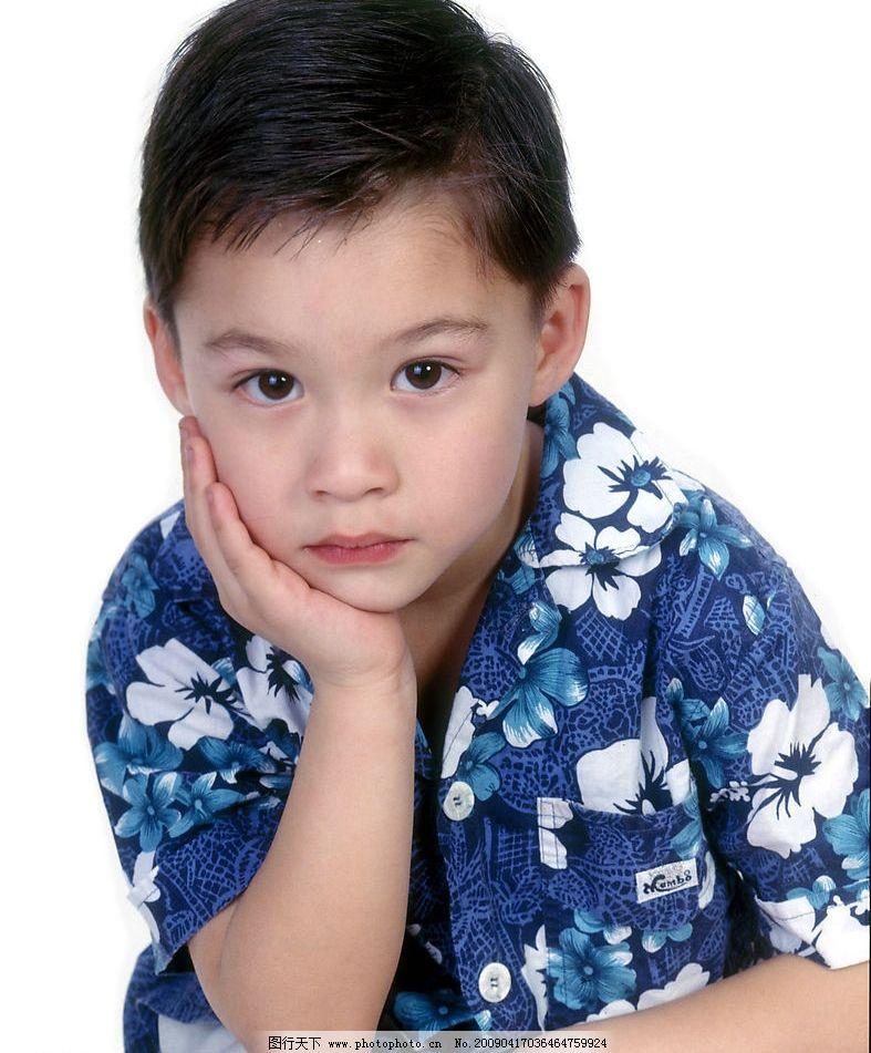 可爱幼童 男孩 笑容 活泼 眼神 手势 人物图库 儿童幼儿 摄影图库