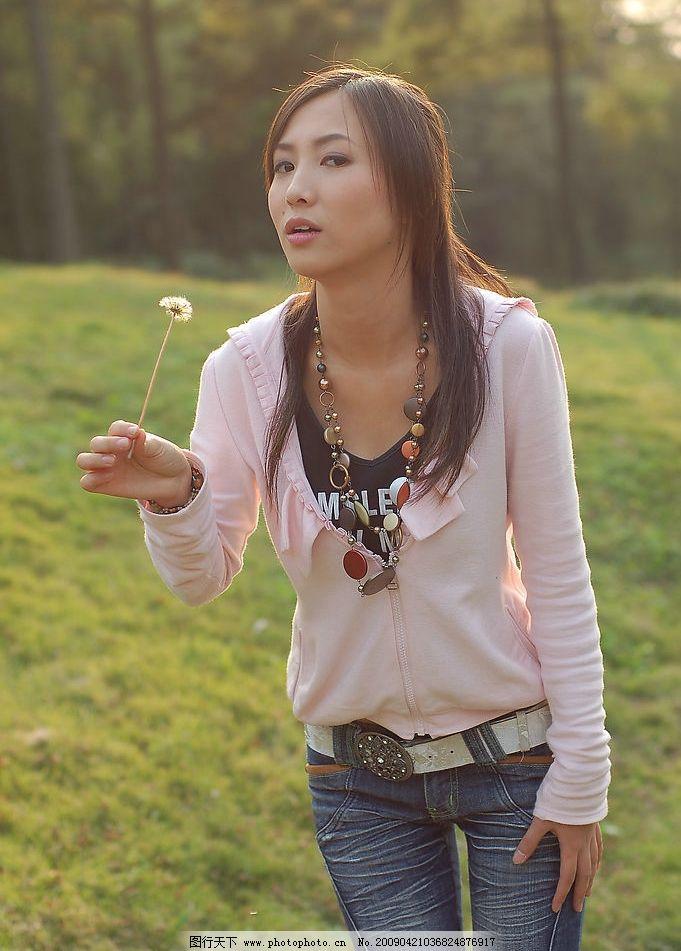吹泡泡的美女 可爱的美女 阳光 清纯 女性女人 摄影图库