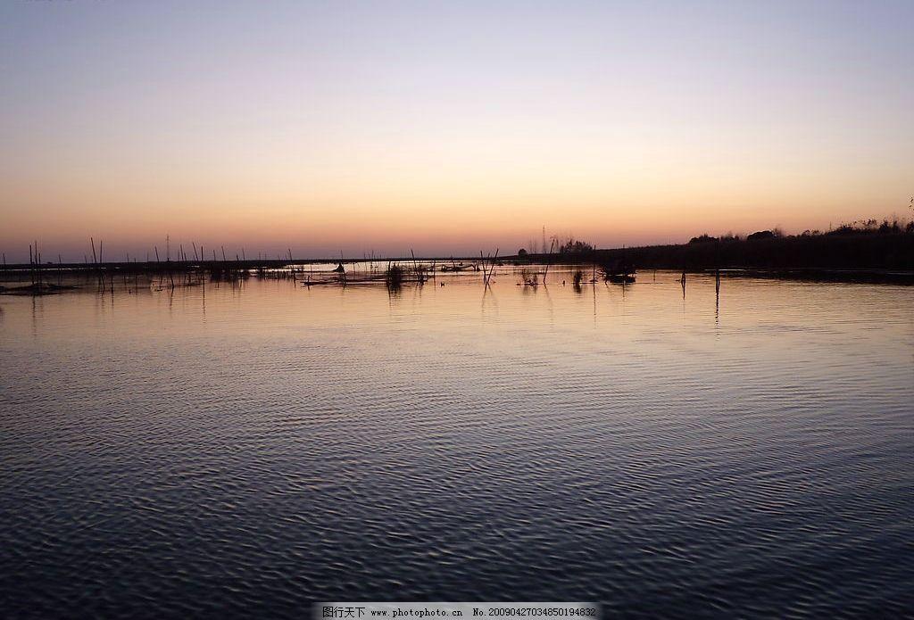 淀边夕阳 芦苇荡 小船 湖水 晚霞 相映成趣 自然景观 自然风景 摄影