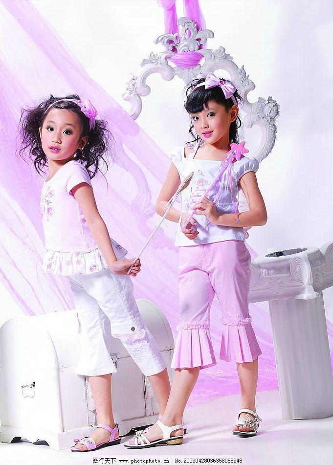 菁菁草女孩模特 菁菁草 童装 品牌 女孩 春天 粉红 可爱 童真 欧式