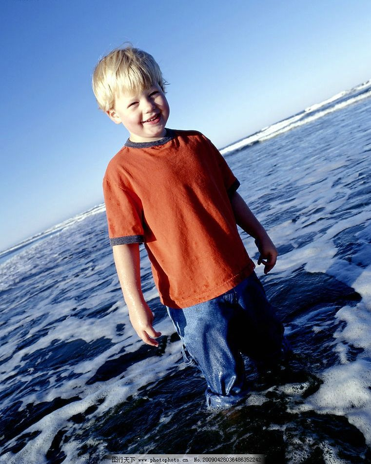 儿童 孩子 国外儿童 生活写真 小孩子 小骑士 孩童玩耍 可爱的小男孩