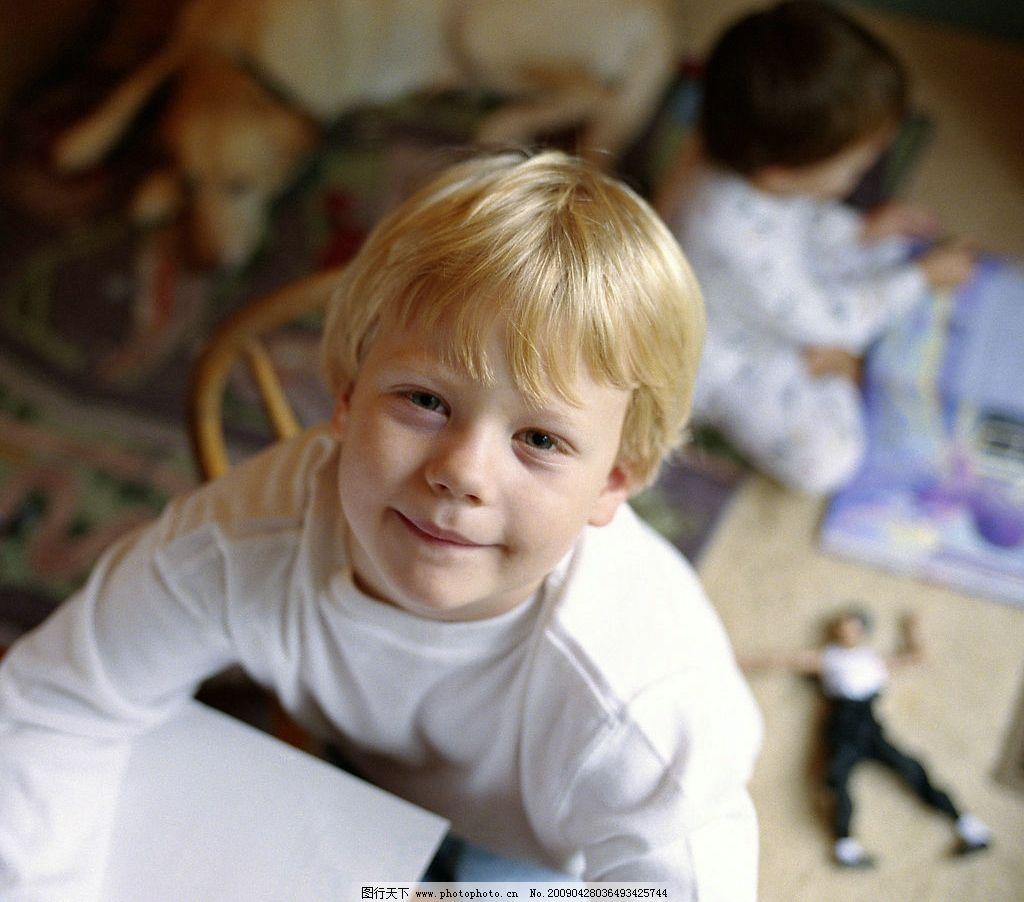 儿童 孩子 国外儿童 生活写真 小孩子 小骑士 孩童 玩耍 调皮