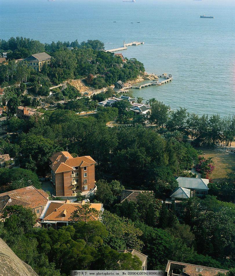 海边风景 海边 风景 房屋 树木 绿色 大海 海岸 轮船 300dpi jpg 旅游