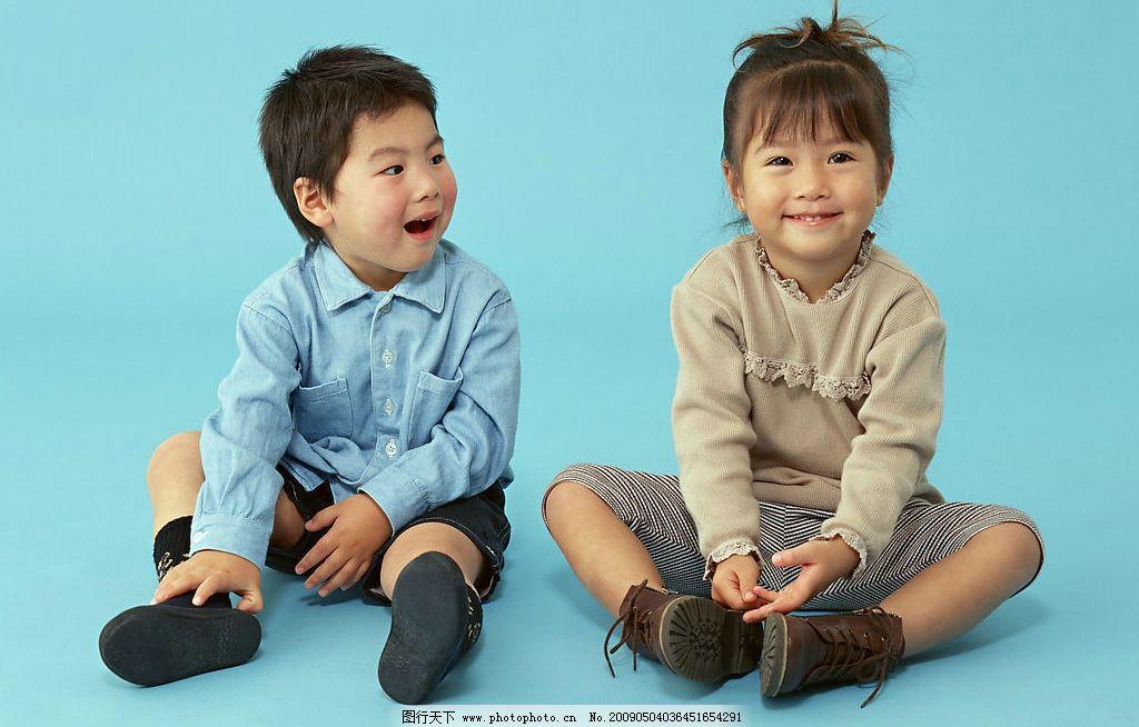 男孩女孩 男孩 女孩 小朋友 儿童 人物图库 儿童幼儿 摄影图库 350dpi
