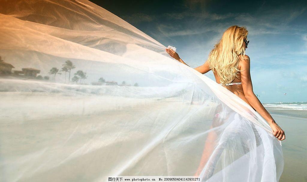 海边新娘 海边 新娘 婚纱 人物图库 女性妇女 设计图库 300dpi jpg