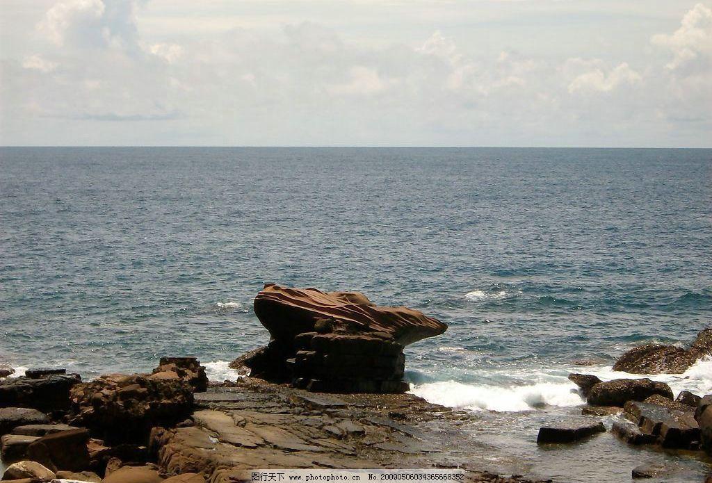 青蛙石 旅游 景观 景象 天空 云彩 海洋 海岸 岩石 石块 旅游摄影