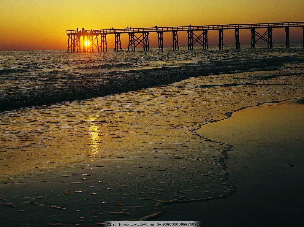 黄昏 夕阳 海滩 大海 落日 背景 自然景观 自然风景 摄影图库 72dpi