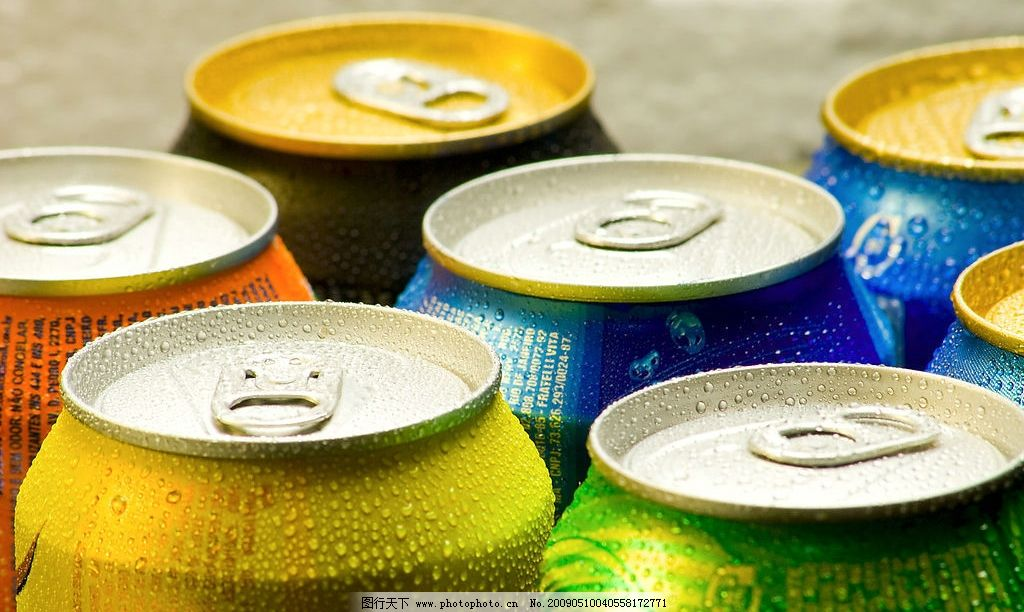 易拉罐 家居 罐装 啤酒 汽水 水 水滴 水珠 特写 餐饮美食 饮料酒水