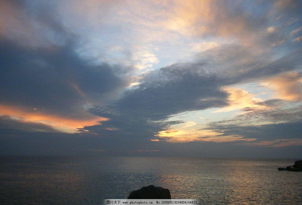 夕阳海景 天空 海水 石头 自然景观 自然风景 摄影图库 72dpi jpg