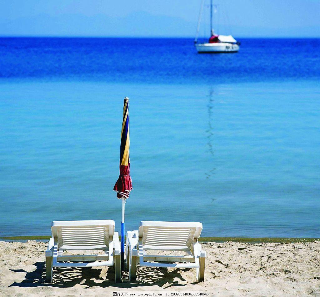 海边风景 沙滩 椅子 躺椅 摄影图库