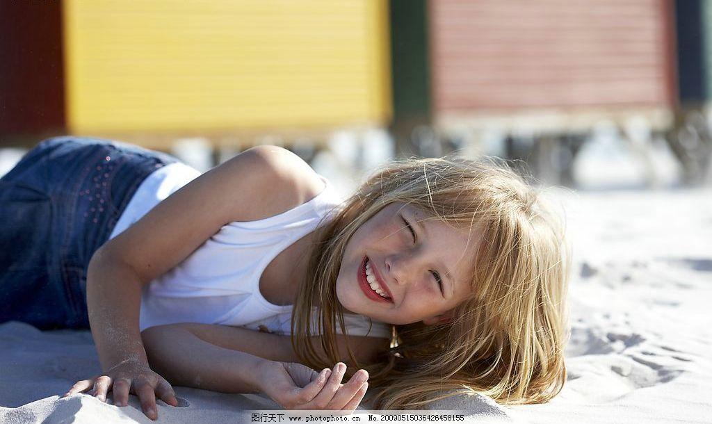 可爱的小朋友24 可爱的小女孩 儿童服装 小朋友 户外 夏日 高精度