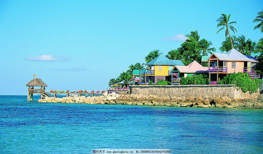 海边房屋 海滩房屋 海滩 椰树 房子 别墅 大海 天空 137dpi jpg 自然