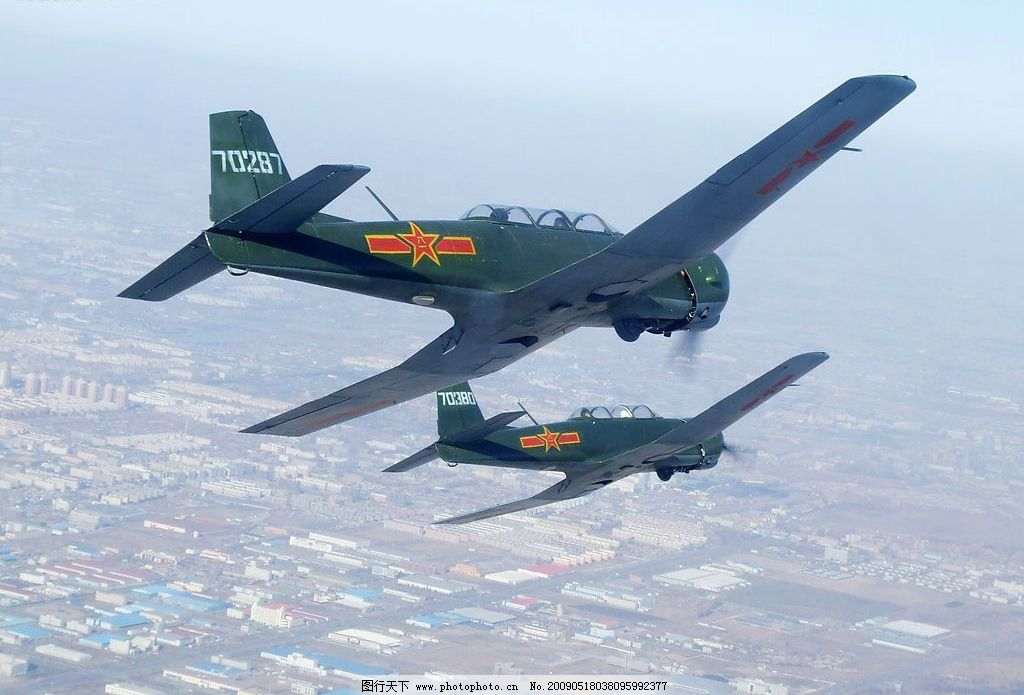 初教六 航空 飞机 训练 现代科技 交通工具 蓝天翱翔 摄影图库 72dpi