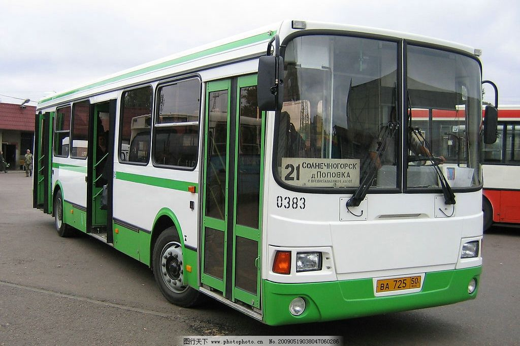 公交车 汽车 交通运输 交通工具 汽车图片 巴士 大巴 现代科技