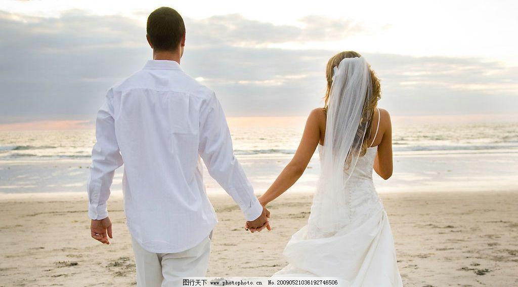 婚纱 婚礼 浪漫 天空 甜蜜 爱情 新郎 新娘 幸福 家庭 海滩 大海 广告