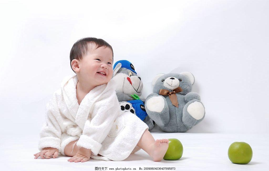 可爱小孩 人物图库 儿童幼儿 布娃娃 狗熊 笑脸 摄影图库