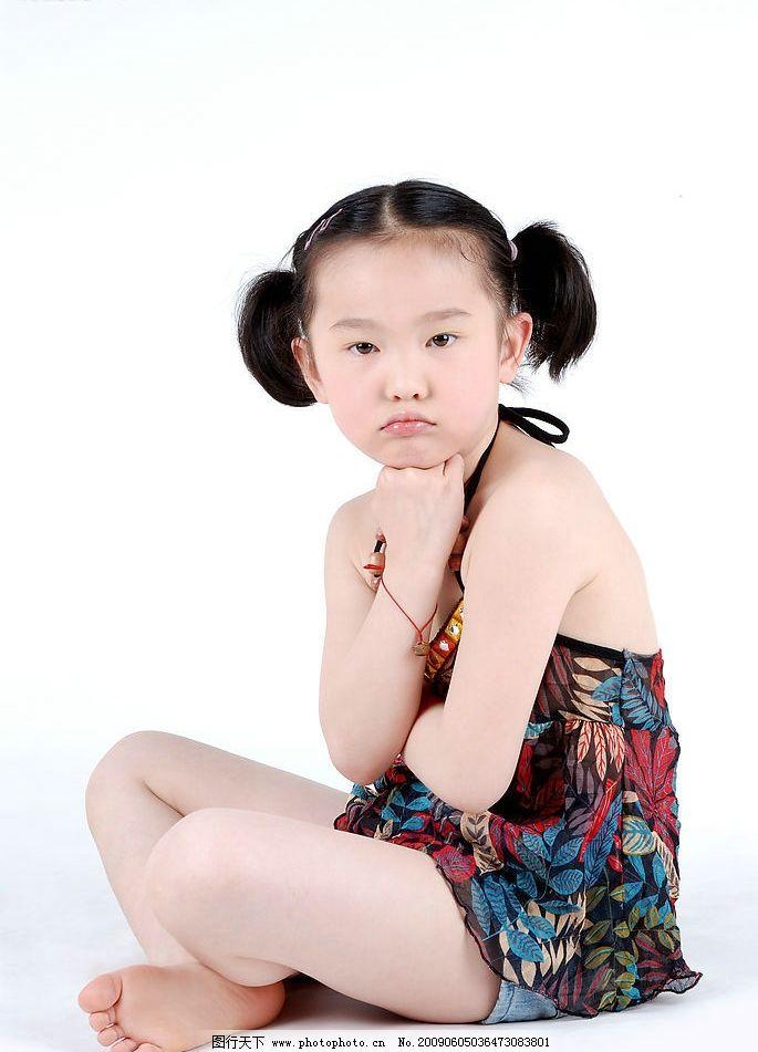 璐楠 小女孩 女孩 儿童 微笑 可爱 孩子 小公主 时尚 人物图库 儿童