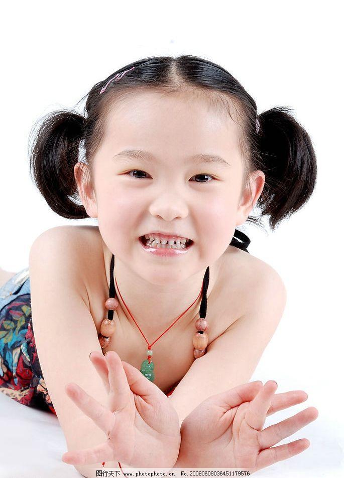 a8儿童摄影 璐楠 小女孩 微笑 可爱 孩子 小公主 时尚 广告设计