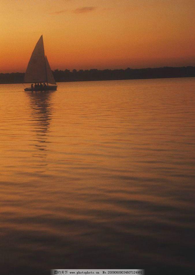 黄昏海边 黄昏 海边 旅游 海水 自然景观 风景名胜 摄影图库 300dpi j