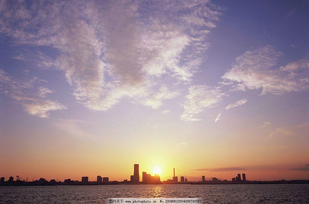 天空 海面 城市 夕阳 旅游摄影 国外旅游 摄影图库 350dpi jpg