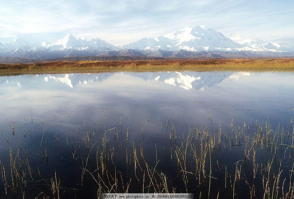 湖泊风景 美丽风景 蓝天 白云 云层 天空 树木 高山 景色 山峰