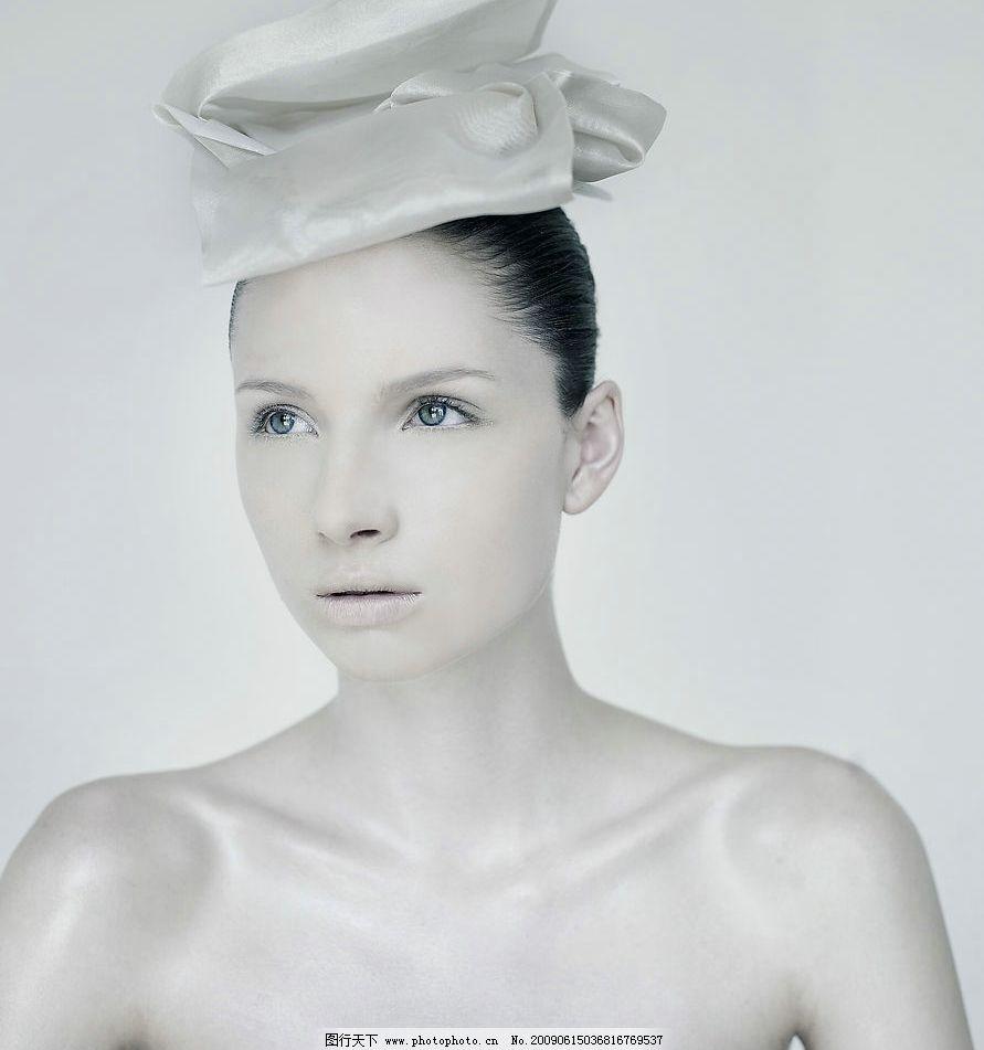 银色魅影 女性 模特 时尚 美女 美丽 化妆 彩妆 造型 酷 人物图库图片
