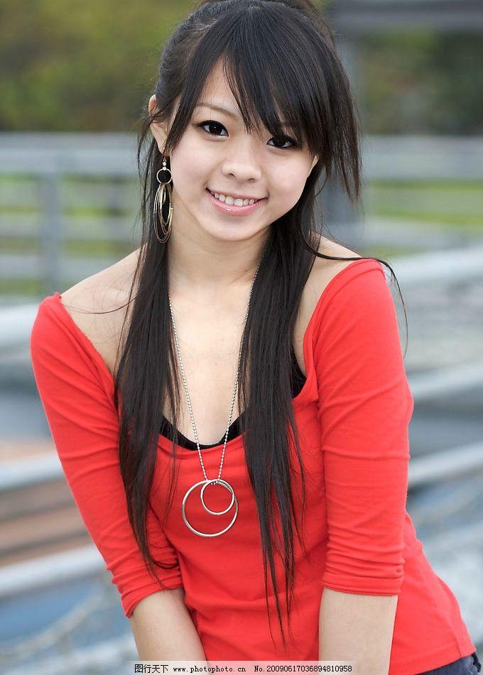 大眼睛女孩 红衣 大眼睛 长发 可爱 女孩子 人物图库 女性女人 摄影