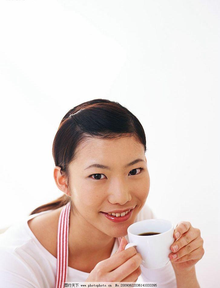 女性清新笑容图片