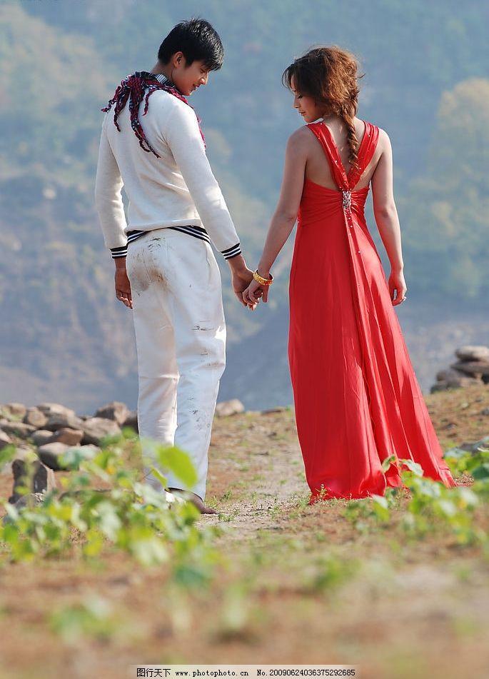 婚纱照 户外婚纱摄影 拉手 背影 男人 女人 自然景观 自然风景