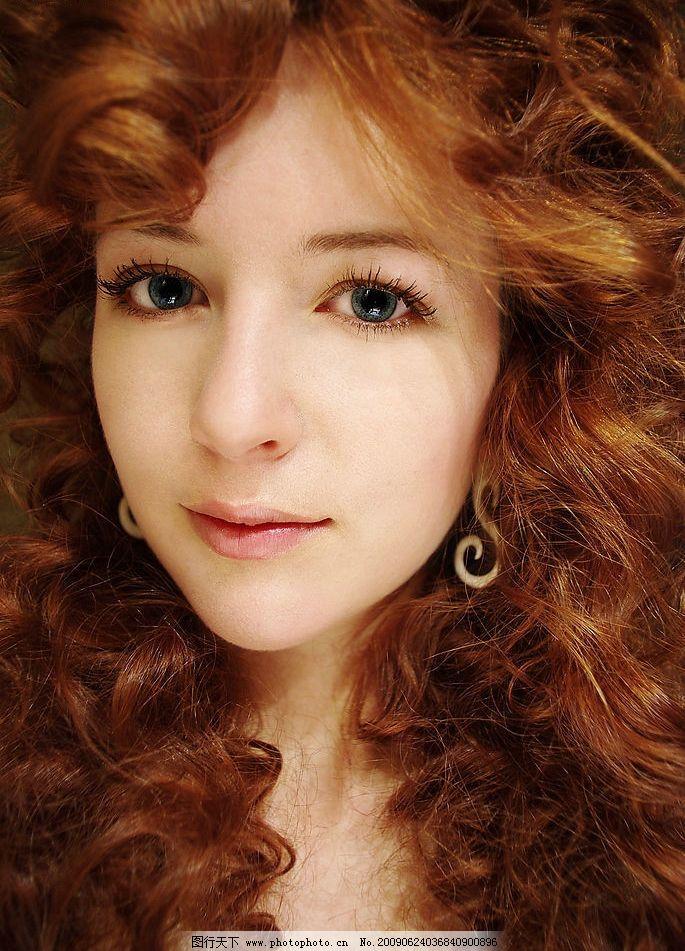 美丽卷发 女性 时尚 模特 发型 美发 脸部 美容 化妆 美女图片