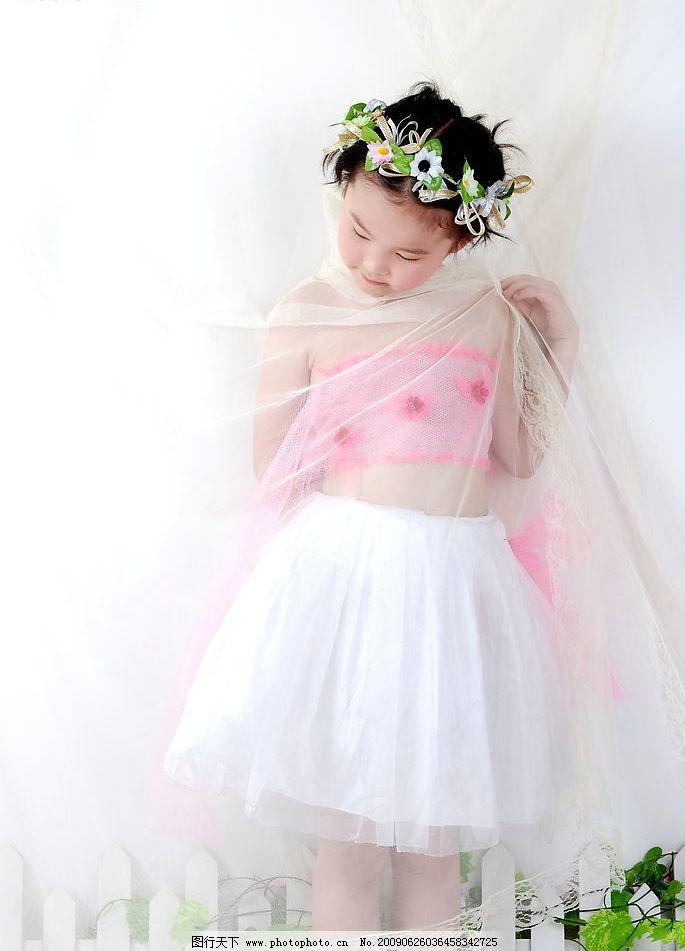 璐楠 楠楠 小女孩 儿童 微笑 可爱 孩子 小公主 时尚 广告设计